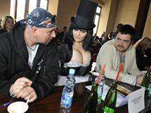 Ředitelka soutěže Miss Junior Kateřina Hamrová s porotci Jakubem Ludvíkem a Pavlem Novotným