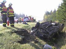 Po nehodě na dálnici D5 skončilo auto na střeše.