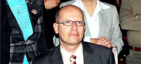 Předseda ČSSD Bohuslav Sobotka ve volebním štábu strany v Praze. (23. října 2010)