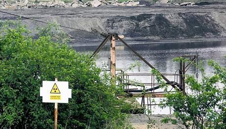 Bývalá chemická úpravna uranových rud MAPE v Mydlovarech na Českobudějovicku - odkalovací nádrž.