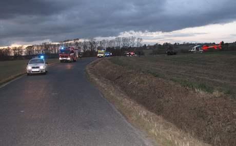 Nehoda osobního auta na silnici III. třídy u Bernartic.