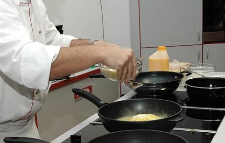 Parmazán se dává až na těstoviny