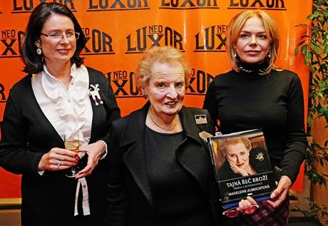Madeleine Albrightová, Dagmar Havlová a Miroslava Němcová - autogramiáda knihy Tajná řeč broží (26. října 2010)