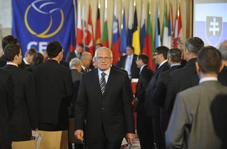 Prezident republiky Václav Klaus při losování ME volejbalistů v České republice a Rakousku