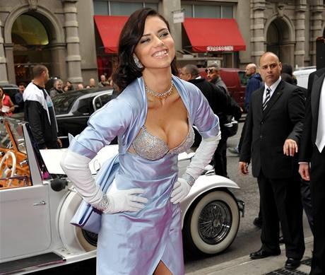 Podprsenku snů Victoria's Secret předvedla v New Yorku brazilská modelka Adriana Lima