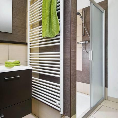 Sprchový kout má šířku 120 cm