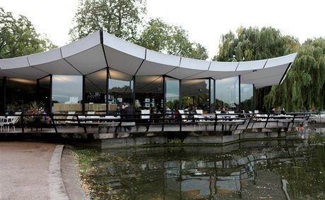 Londýn, kavárna v Hydeparku