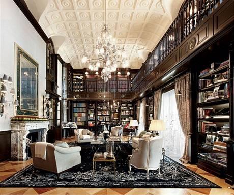 Dvoupatrová knihovna s čítárnou je snem každého knihomola