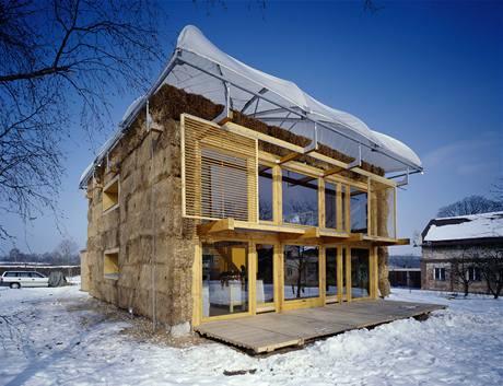 Dům v kožichu, 2003, Petr Suske, Michalovice u Staré Boleslavi