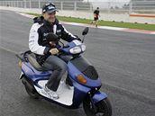 Rubens Barrichello na prohlídce nového okruhu Yeongam v Koreji.