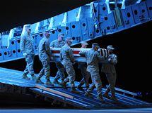 Americký voják zabitý v Afghánistánu se vrací domů