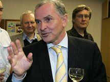 Bývalý hejtman Stanislav Juránek získal v druhém kole voleb do Senátu ve volebním obvodu Brno-město nejvíce hlasů a získal tak senátorské křeslo (23. října 2010)