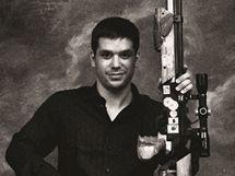 Kalendář Dukly 2011 - únor: Střelec Tomáš Caknakis