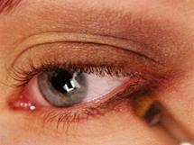 Make-up proměna - líčení pod brýle