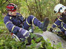 Policisté a hasiči pokračují v pátrání po pohřešované Aničce v pražské Troji. (22. října 2010)