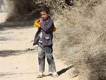 Školák z Kolangaru se domů trousí jen pomalu