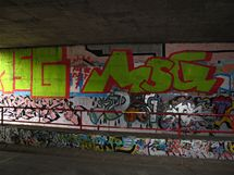 Graffiti v oblasti Barrandovského mostu.