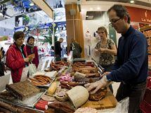 Nejen na trhu ve vysočanském Fénixu koupíte výborné uzeniny
