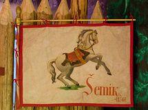 Bájný kůň Šemík, který zachránil Horymíra skokem z Vyšehradské skály.