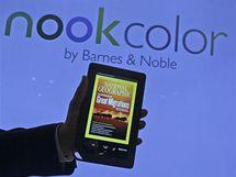 Barnes & Noble - Ravi Krishnan předvádí novinářům nový Nook color