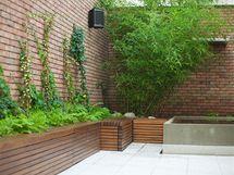 Malý dvorek má sloužit k neformálnímu odpočinku návštěvníků hostelu