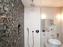 Mozaiky v koupelnách působí elegantním dojmem