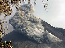 Indonéská sopka Merapi opět začala soptit (29. října 2010)