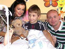 Jitka Válková a David Novotný na návštěvě v královehradeké nemocnici