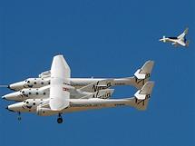 White Knight Two má za úkol vynést SpaceShip Two do patřičné výšky.