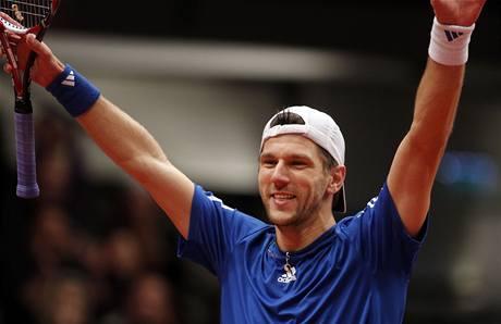 Rakouský tenista Jürgen Melzer se raduje z vítězství na turnaji ve Vídni