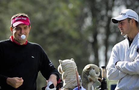 Martin Kaymer (vpravo) na Andalucia Valderrama Masters post světové jedničky nezískal.