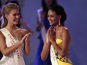 První vicemiss Emma Wareusová z Botswany s vítězkou ze Spojených států