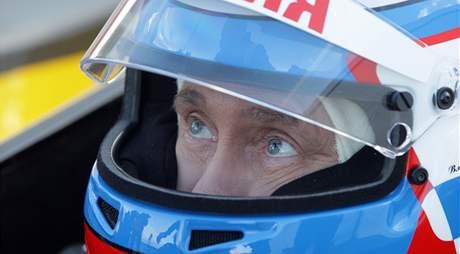 Ruský premiér Vladimir Putin na okruhu formule 1 (7. listopadu 2010)