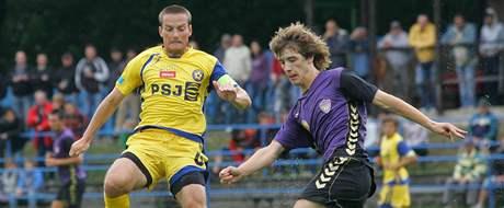 Filip Dort (ve žlutém) v domácím utkání s Vrchovinou.