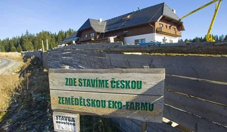Stavba ekofarmy na Horské Kvildě.