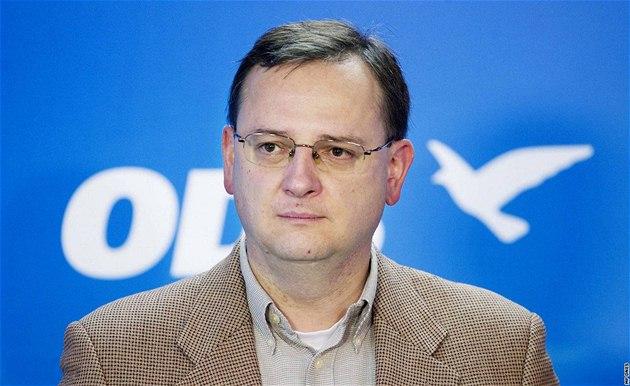 Petr Ne�as na tiskové konferenci ODS k výsledk�m senátních voleb. (23. �íjna 2010)