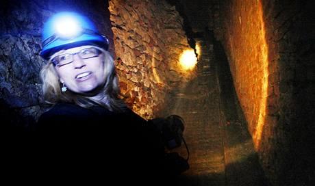 Kastelánka litomyšlského zámku Jana Sehnalová ukazuje podzemí