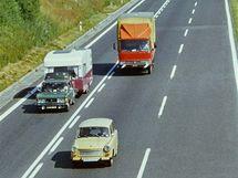 Provoz na dálnici D1 u Lokte v 80. letech 20. století.