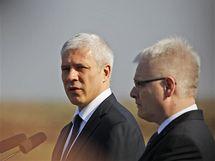 Srbský prezident Boris Tadič (vlevo) a jeho chorvatský protějšek Ivo Josipovič (4. listopadu 2010)