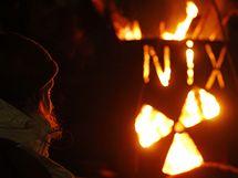 Aktivisté z Greenpeace protestují před nádražím v Dannenbergu (9. listopadu 2010)