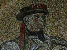 Tohoto krojovaného jezdce z mozaiky na olomouckém orloji vytvořil Karel Svolinský podle Boleslava Vaci