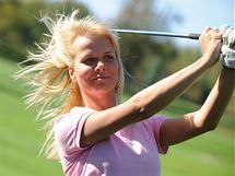 Golf ve větru.