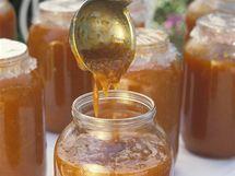 Chutná marmeláda bez práce? Jde to i ze zmraženého ovoce, domácí pekárna si s ním poradí
