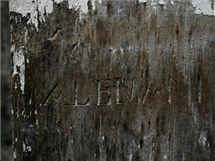 Historické nápisy vojáků objevené v Korunní pevnůstce ležící poblíž centra Olomouce.