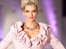Tereza Maxová na módní přehlídce Osmanyho Laffity v Brně