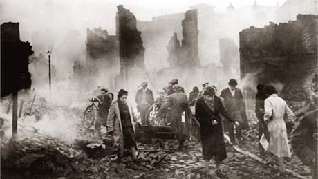 Výsledek obrázku pro britský průmysl 1940