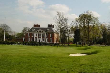 Klubovna Royal Blackhealth Golf Clubu v Londýně.