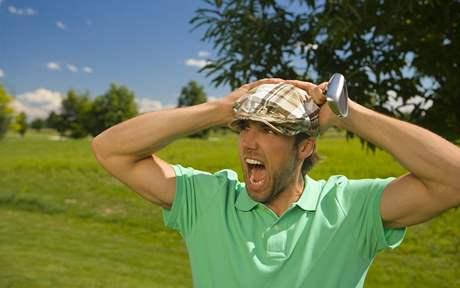 Hlavně se na golfu nedivit, že hraju špatně!