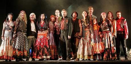Muzikál Cikáni jdou do nebe ve Slováckém divadle v Uherském Hradišti.
