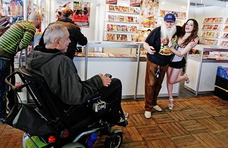 Invalidé, důchodci a pornohvězdy... - veletrh Erotica Sex 2010, Výstaviště Praha (12.11.2010)